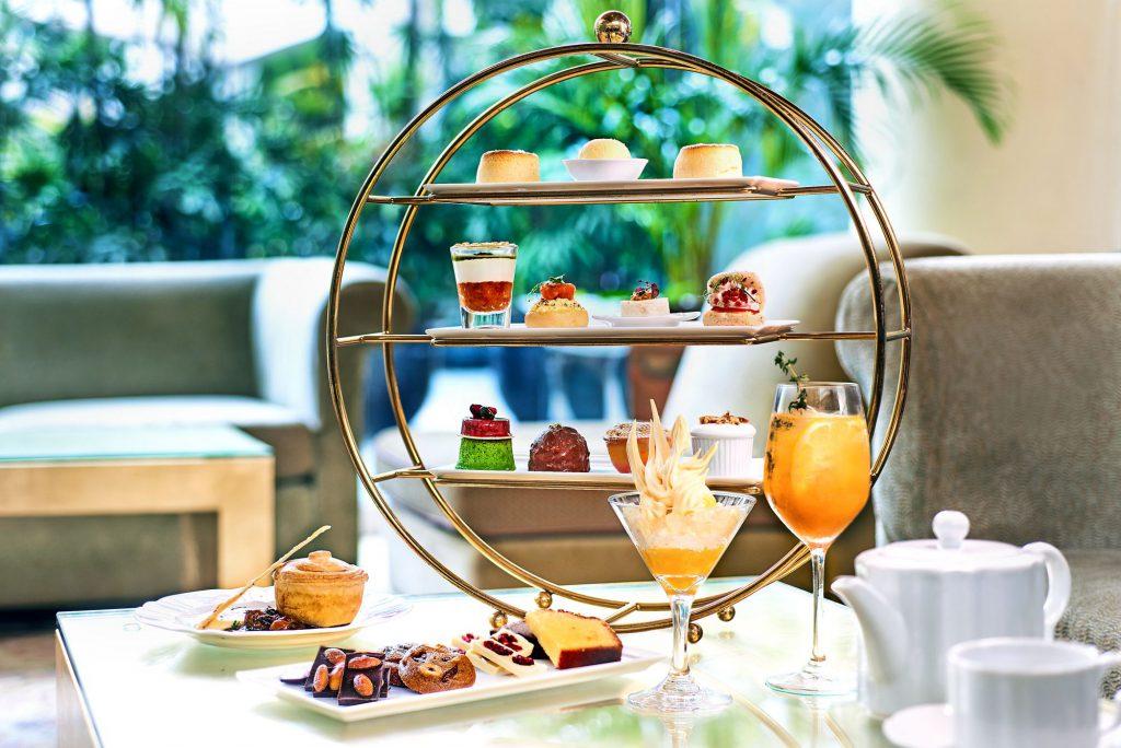 Chihuly Lounge Ritz Carlton