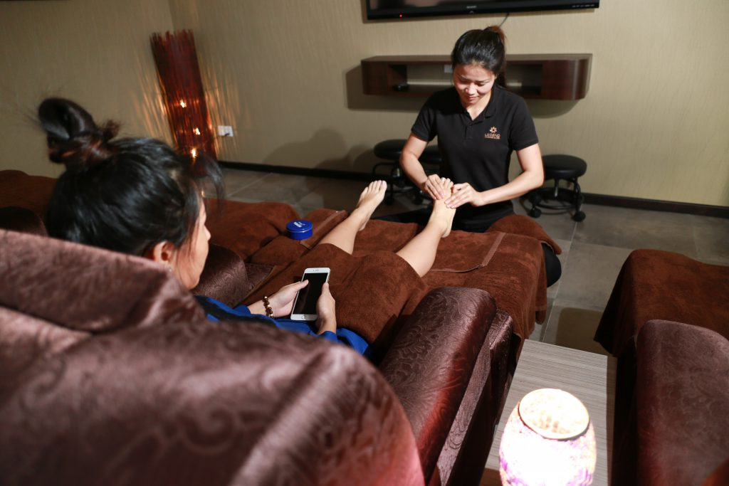 Legend spa, foot reflexology