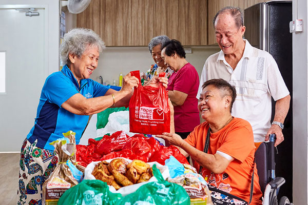 bread run food from heart singapore low income elderly