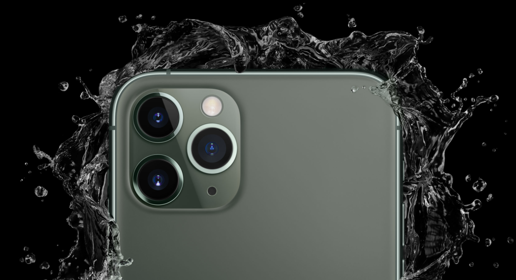 Apple iPhone 11 In Water